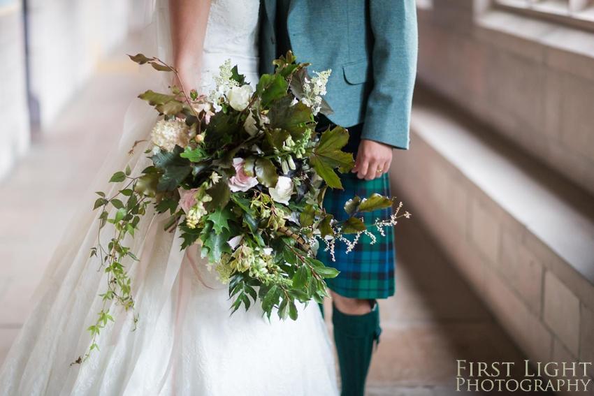 Autumnal wedding bouquet, wedding flowers, wedding details
